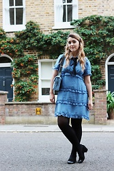Daisy A - Sister Jane Blue Ruffle Peter Pan Dress With Black Ribbon, Asos Leather Black Mid Block Heels, Kurt Geiger Blue Quilted Handbag, Primark Faux Pearl Headband - XOXO Gossip Girl
