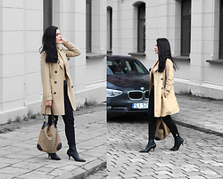Justyna Lis - New Look Trench Coat, H&M Black Pants, Bally Bag, Missguided Beige Turtleneck - Trench coat & black heels