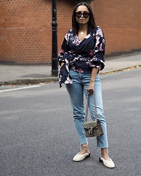 Lauren Francine Campbell - Topshop, Gucci, Urban Outfitters, Romwe, Celine - Floral Wrap Top