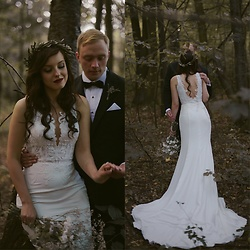 Daria R. - Vanessa Minimal, Bodycon Wedding Dress - Not an ordinary #ootd