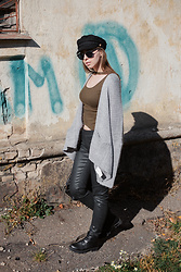 Paulina Halushka - Mango Jeans, Pull & Bear T Shirt, Pull & Bear Cardigan, Pull & Bear Hat, Lamoda Boots, Optics Look Sunglasses - Military look