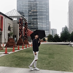 Yusaku Tuthiya - H&M Sweater, Bershka Washed Jeans, Justable Basics - Come rain, come shine