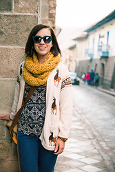 Lindsey Puls - Artesanías Asunta Alpaca Cardigan, Ak Kerani Scarf, Quay Sunglasses, H&M Jeans - Alpaca Clothing Shopping Tips For Cusco, Peru + What I Wore