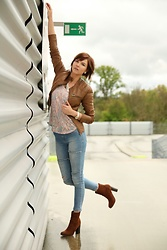 Geity Helfen - Only Leather Jacket, Rewiew Desire Madness, Calzedonia Outlook Jeans - Casual Streetwear