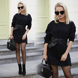 Daria Darenia -  - Little Black Dress