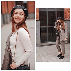 Alina Feminudity - Massimo Dutti Turtleneck, Christian Dior Bag, Zara Suit, Asos Boots - Checked Suit & Leather Beret