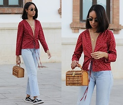 Esther L. - Rosegal Red Star Top, Levi's® Classic Levi's 501, Vintage Straw Handbag, Vans Old Skool, Giant Vintage Retro Sunnies - RED STAR TOP