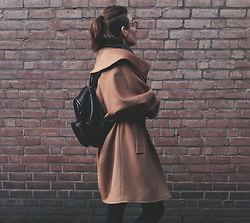 Laura Gal - Vintage Coat, Meli Melo Leather Backpack - Autumnal