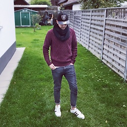 Sven A - New Era 59fifty Low Profile, Uniqlo Knit Sweater, Levi's® 512, Adidas Superstar - Ready for fall?