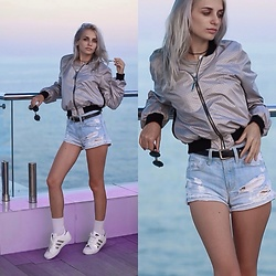 Polina Wayne -  - Perfect windbreaker metallic color