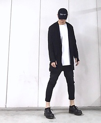 ★masaki★ - Kollaps Ambient Techno, Ch. Jacket, Forever 21 Tee, Ch. Pants, Dr. Martens Made In England - ⚫️⚪️⚫️