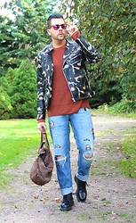 Joni N. - Dr. Martens Shoes, Jack&Jones Jeans, H&M Sweater, Zara Jacket - ARMY