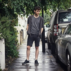 Andrew P - Uniqlo T Shirt, H&M Denim Shorts, Supra Owen Trainers, Zara Grey Hoodie - Greyscale
