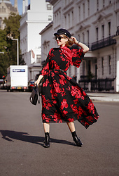 Esra E. - H&M Floral Midi Dress - London