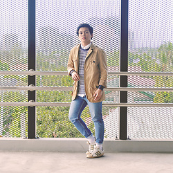 Mark Ontoy / BKMRK - H&M Military Jacket, Polo Ralph Lauren White Button Down, Valentino Sweatshirt, Levi's® Skinny Jeans, Adidas Adicolor - Layering