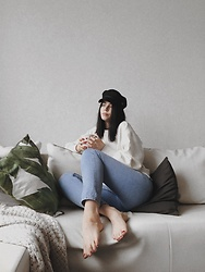Monika Ruzgute - H&M Hat, H&M Sweater, Zara Jeans - Rainy mornings