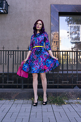 Irina Petrova - Loverepublic Retro Dress, Oodji Neon Yellow Belt, Centro Neon Pink Bag, Centro Black Shoes - Factory Girl