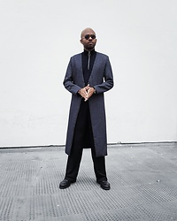 Martell Campbell - Yohji Yamamoto Eyewear, Paul Smith Shoes, Samsøe Knitwear Zip, D'lyle Treasure Long Jacket - Morpheus 2017