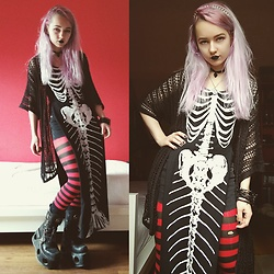 Nymphiah - Iron Fist Clothing Mermaid Bones Dress (Modified), H&M Black Net Kimono, Claire's Black And Red Horizontal Striped Tights, New Rock Platform Boots With Springs, The Rogue And Wolf Black Cat Skull Choker, Silver Spike Hairband - Spoopy Halloween mermaid