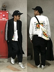 Hideki. Mn - (K)Ollaps Noise Music 実験 音楽, Gilet Remake Track Coat [Adidas], Gilet Remake T Shirt (Gucci), Gilet Remake Bag [Gucci], Bukht Wide Denim, Onitsukatiger Mexico 66 Deluxe Nippon Made - Japanese fashion 32