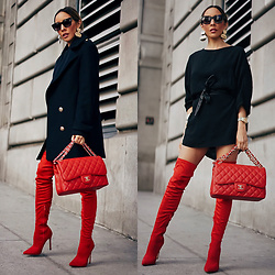 Maria De La Cruz - Chanel Bag, Haute & Rebellious Tunic Dress, Haute & Rebellious Smooth Shape Plated Earring Gold - RED THIGH HIGH BOOTS