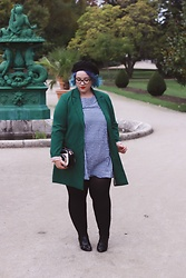 Audrey G. - Kiabi Green Coat, Kiabi Gingham Dress, André Oxford Shoes, Asos Black Beret, Zaful Camera Shape Bag - Little preppy girl