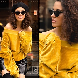 Yasmina Jeddou - Aldo Retro Sunglasses, Simons Béret, Ledah Off Shoulders Sweater - Oversized sweater