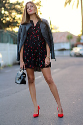 Marianela Yanes - Shein Dress, Bershka Heels - CHERRY AND HEELS