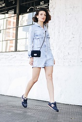 Silvia Henz - Jumpsuit Long Sleeve Denim, Chanel Boy Mini, New Balance Blue - I can't get of denim