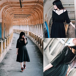 "REDWAY REDWAY - Uniqlo Skirt, Adidas Shoes - Walking in ""The Old days"""