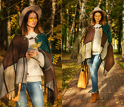 Arina V. - Mavi Jeans, Massimo Dutti Boots, Pull & Bear Sweater - Autumn leaves start to fall..