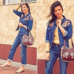 Natasha Karpova - Rosegal Denim Jacket, From Tunisia Embroidery Leather Bag, Unknown Brand Blue Jeans, H&M Gold Loafer, Daniel Wellington Watch, H&M Shirt, No Brand Earrings - HEADING EAST