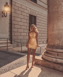 Elin Hansson - Yoinsfashion Dress - Golden hour