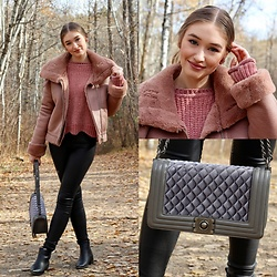 Taylor Doucette - Boohoo Dusty Rose Chenille Sweater, Zara Oversized Dusty Rose Jacket, Vero Moda Black Coated Denim, Old Navy Black Pointy Toe Boots, Rebecca Minkoff Grey Velvet Boxy Bag - Gorgeous- Taylor Swift
