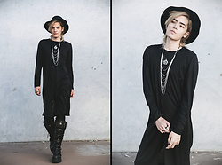 Kyris Kat - Dress Lily Long Tunic Shirt, New Rock Boots - Black Magic