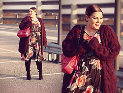 Luciana Blümlein - H&M Trend Cardigan, Scarlett & Jo Dress, Heine Boots, Dior Bag, Dior Earrings - • Summer in Winter •
