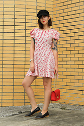 Gemini Tauberge - Forever 21 Dress, Forever 21 Baker Boy Hat, Everlane Loafers - Dainty Floral
