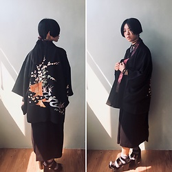 Flosmoony - Dottori Vintage Haori, Vintage Dress, Monki Shoes - Black Antique