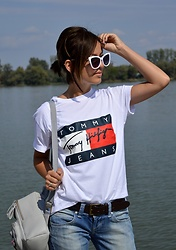 Marija M. - Tommy Hilfiger White T Shirt - Tommy's girl
