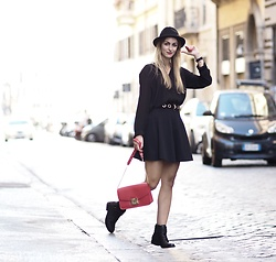 Vanessa Ciliberto - Furla Bag - Fall days in Rome