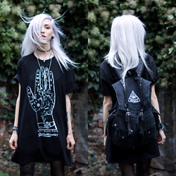 Kimi Peri - Disturbia All Seeing Backpack, Disturbia Left Hand Path Shirt, Choker, Tights, Dixi Crystal Choker - Left Hand Path