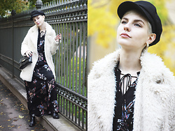 Anastasia Zaprometova - Stradivarius Dress, Zara Fur Coat, Stradivarius Hat, Topshop Bag - Bohemian Autumn