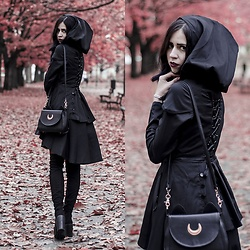 Ola Brzeska - Zaful Flared Coat Goth, Rosegal Sailor Moon Bag, Altercore Boots - Gothic coat
