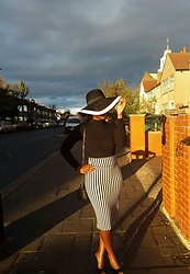 Princess Maya - River Island Pencil Skirt, F21 Ribbed Cropped Top, Primark Hat, Missguided Bag - Black & White