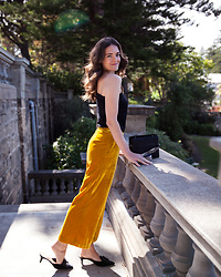 Jenelle Witty -  - ALL YELLOW