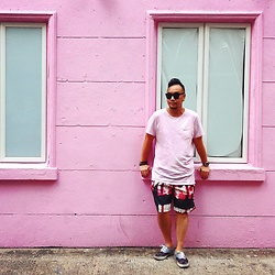 Mannix Lo - Cotton On Pocket Tee, No Brand Print Shorts, Supreme X Cdg Shirt Vans Patterned Sneakers - Pink Pink Hapi Hapi Friday