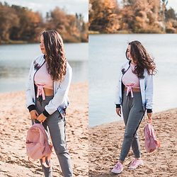 Gabriela Grębska - Reebok Sneakers, Nike Sweatpants, Answear Backpack, Zaful Crop Top, Cacofonia Milano Bomber Jacket - Furry backpack