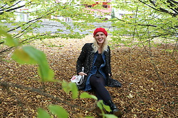 Mar Leni - Zara Red Beret, Pimkie Leopard Coat, Only Jeans Trench, H&M Polka Dot Dress, Dr. Martens Boots - Leaves are falling