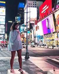 Julia Safonkina - H&M Sandals, Pakhtusova V Dress - Time Square