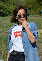 Marija M. - Zaful Long Denim Jacket, Levi's® Levi's T Shirt Top - My Levi's